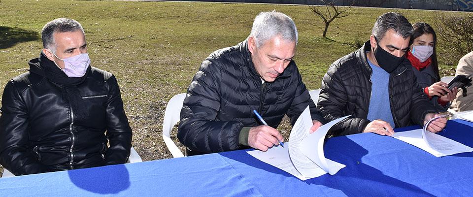 Firma de Convenio con el Ministerio de Desarrollo de la Comunidad para el fortalecimiento de la Economía Popular