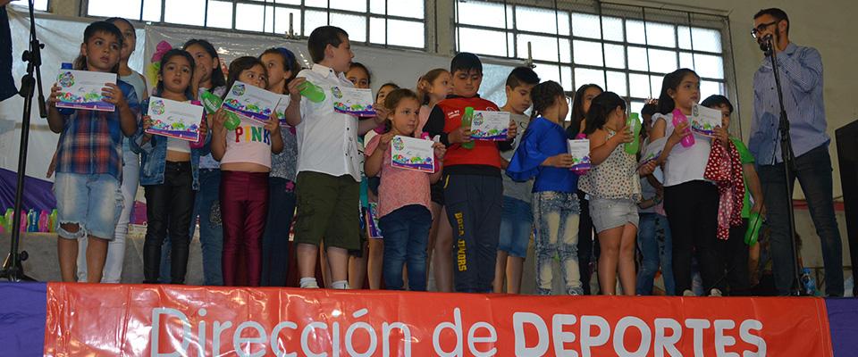 Con reconocimientos y menciones especiales se realizó la Fiesta del Deporte
