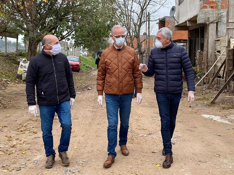 Cagliardi, Secco y Gollán recorrieron el barrio José Luis Cabezas
