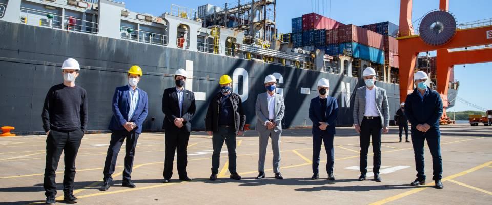 Kicillof y Cagliardi recibieron al primer buque que realiza un servicio de importación y exportación desde Berisso hacia China