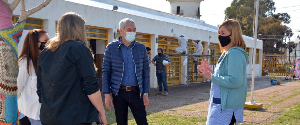 Cagliardi recorrió obras en el Jardín de Infantes N° 905 realizadas a través del Fondo de Financiamiento Educativo
