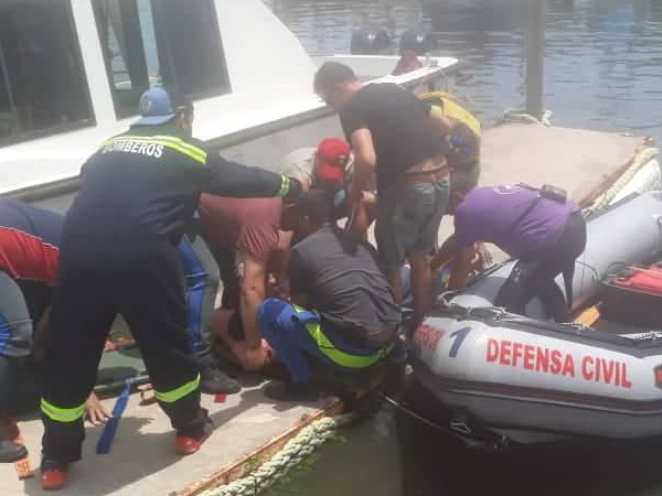 Operativo de auxilio en la Isla Paulino