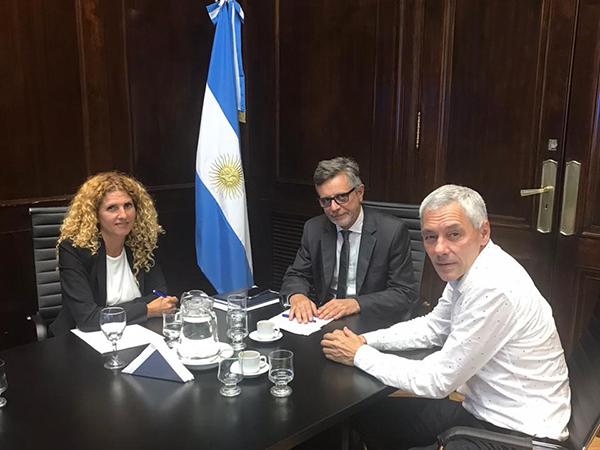 Cagliardi se reunió con autoridades nacionales del área de Producción por el Sector Industrial Planificado