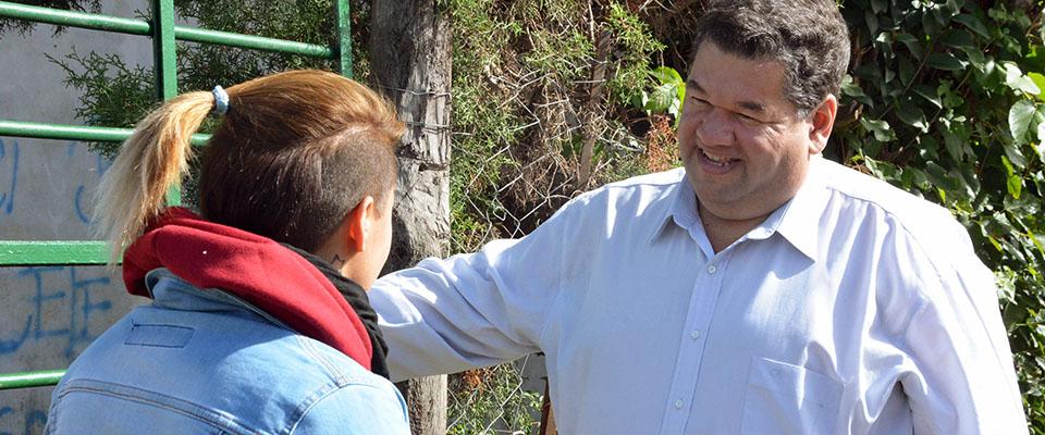 El intendente Nedela recorrió las obras de pavimentación de calle 170 entre 27 y 29 y dialogó con los vecinos