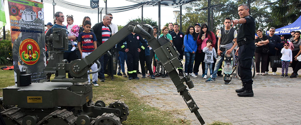 La Policía de la Provincia de Buenos Aires presentó su Muestra Itinerante en la ciudad