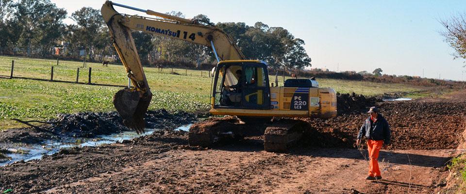 Comenzaron los trabajos de construcción del camino de acceso al nuevo edificio de la Escuela Agraria por calle 18