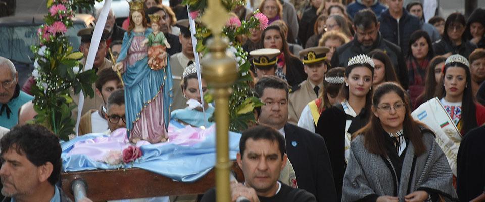 Con una masiva procesión y la Santa Misa la ciudad de Berisso cerró las celebraciones por su Patrona María Auxiliadora