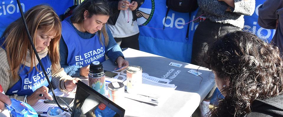 """El programa """"El Estado en Tu Barrio"""" funcionará hasta el viernes en la Plaza """"17 de Octubre"""""""