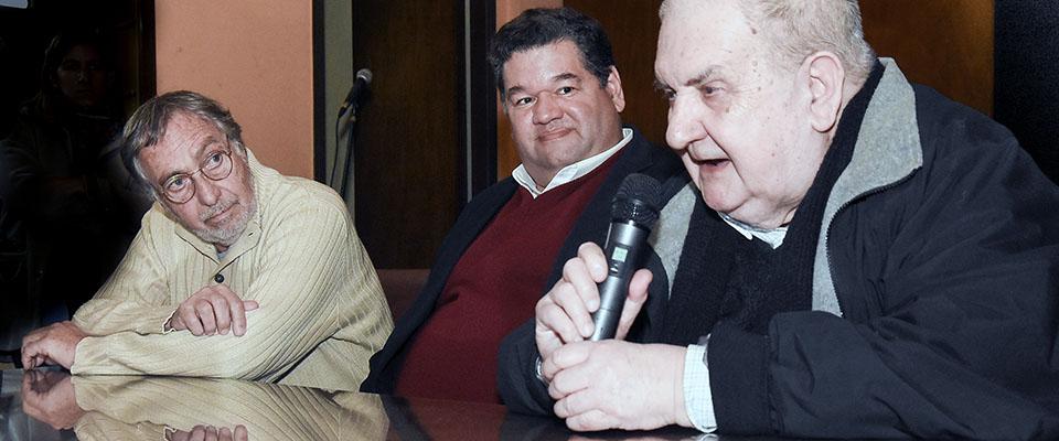El intendente Nedela y la familia Leveratto firmaron el convenio para que el Municipio se haga cargo de la sala del Cine Teatro Victoria