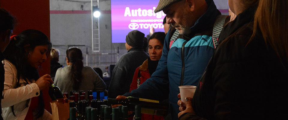 Con una masiva respuesta de visitantes y una amplia oferta de producciones locales cerró la XVI Fiesta del Vino de la Costa