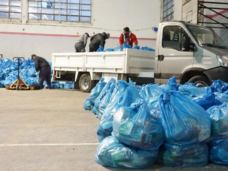 Operativo de entrega de alimentos del SAE a escuelas del distritos