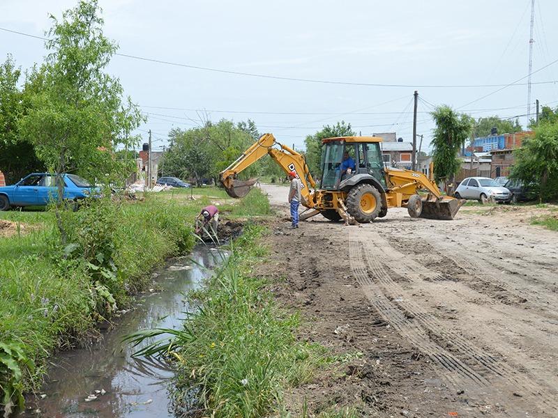 Trabajos hidráulicos en barrios de la Delegación Zona I