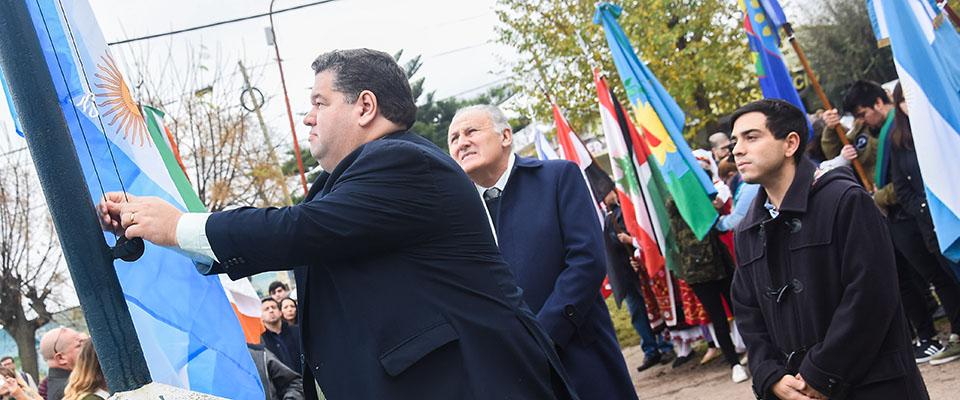 El intendente Jorge Nedela encabezó el acto por el 148° Aniversario de la Fundación de la ciudad